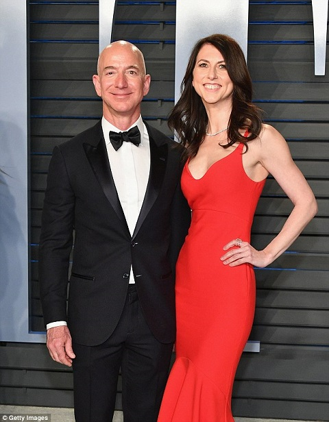 American Novelist Mackenzie Bezos Married Life With Husband Jeff