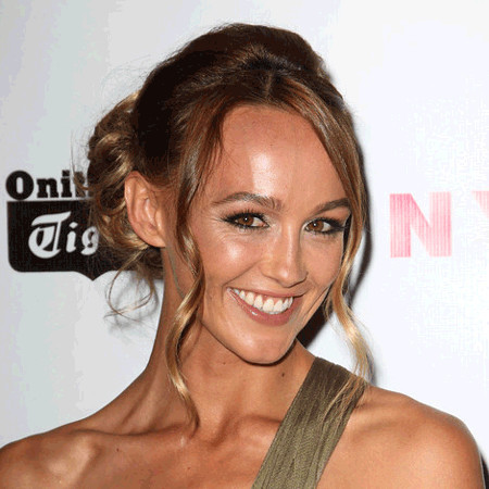 vinson singles & personals Sharni vinson's dating affair with boyfriend: sharni, unlike other hollywood celeb, has always been a person who is quite open about her personal life.