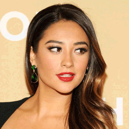 Shay Mitchell Bio Fact Married Dating BoyfriendNick Frost And Wife