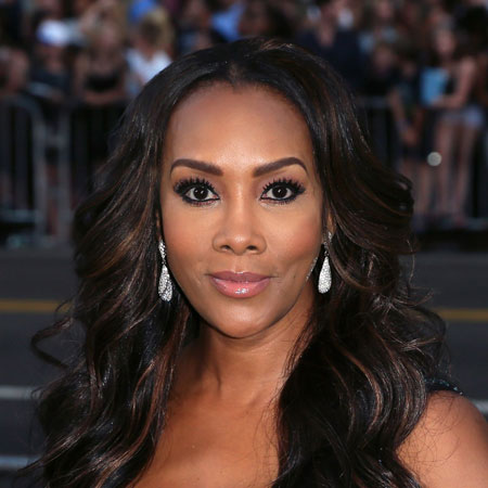 How old is vivica a fox