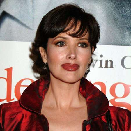 Janine Turner Nude Photos 77