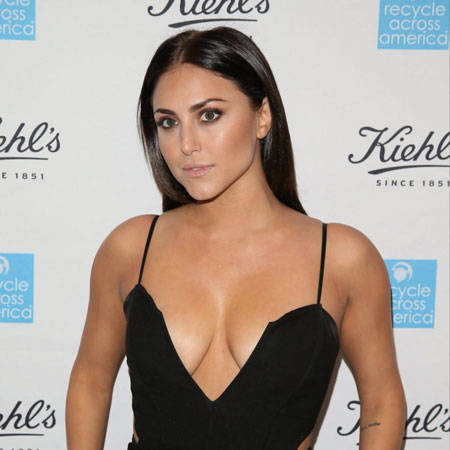 How old is Cassie Scerbo