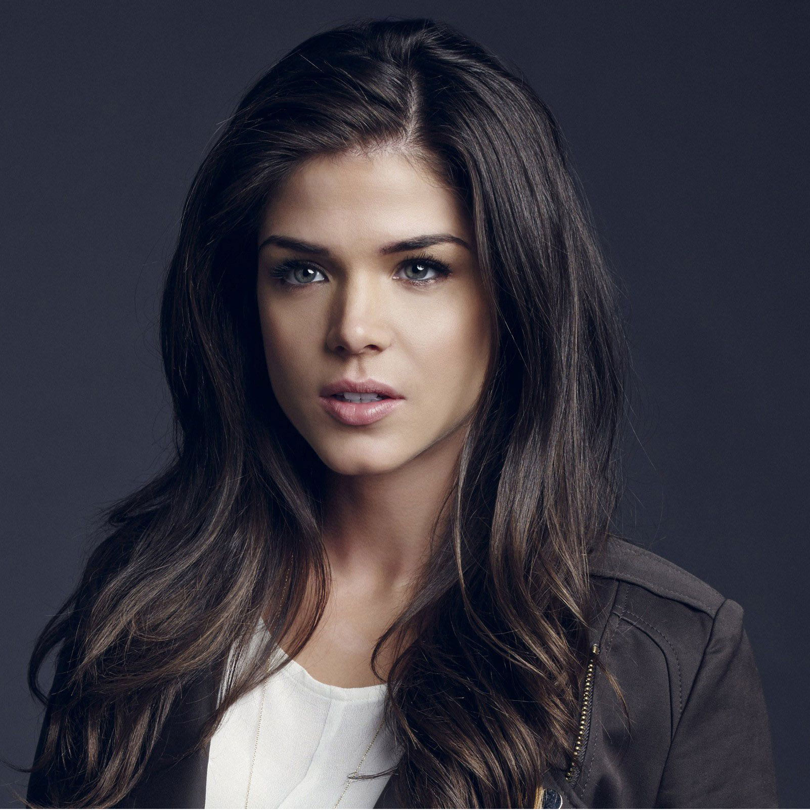 Marie Avgeropoulos Bio, Fact - affair,salary,net worth,age ...