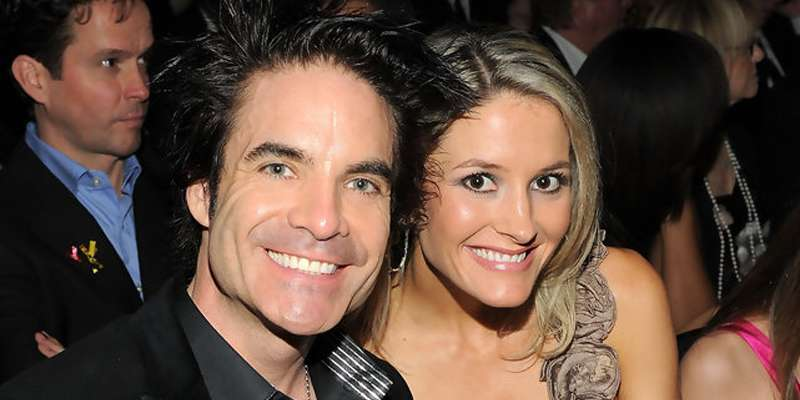 Is Pat Monahan happily married or will he need 50 ways to say goodbye to his spouse?