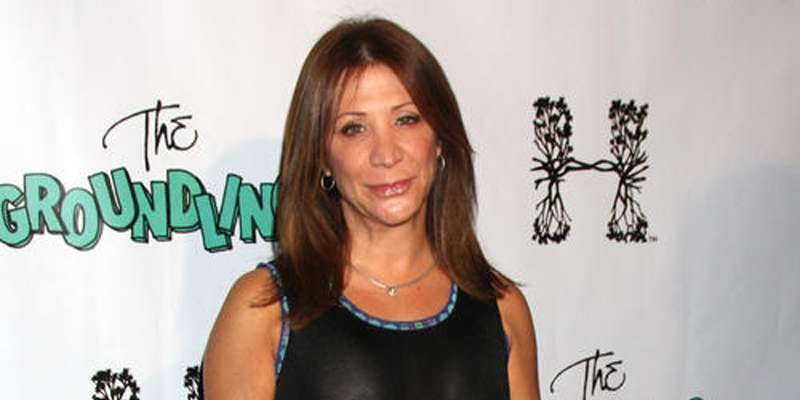 Cheri Oteri family background belonging from Italian ancestry. How old is Oteri ?