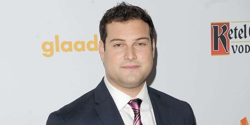 Glee actor Max Adler marries his long-time girlfriend Jennifer Bronstein