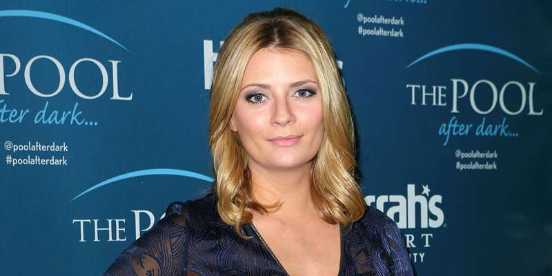 Mischa Barton flashes sexy outfit. How could she be so hot?