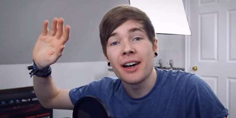 popularmmos is a celebrated youtuber as he nears 8 million