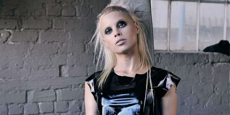 Anri du Toit, better known as Yolandi Visser, reported to be single.
