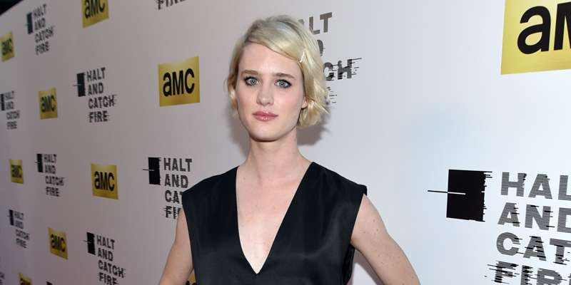 """Halt and Catch Fire"" star Mackenzie Davis playing with Matt Damon in Izzy Gets the F–k Across Town"
