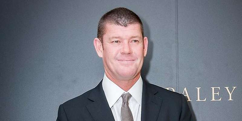 James Packer is married or not?