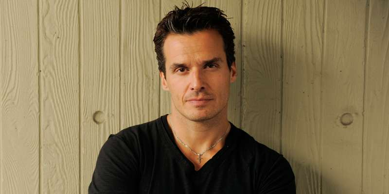 Who is Antonio Sabato Jr married to ?