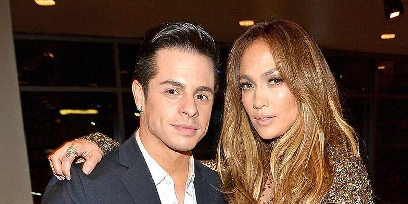 Jennifer Lopez provides clues that her relationship with Casper Smart is not a significant one