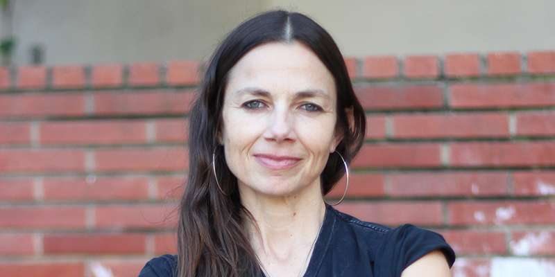 Justine Bateman comments on 'Family Ties' in backstage. What did he say?