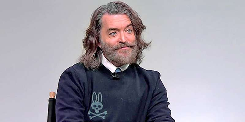 Want to know, whom is Timothy Omundson married to?
