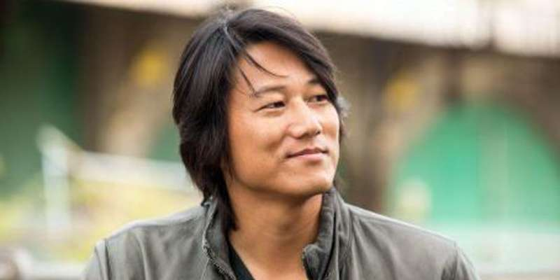 Who is sung kang batman vs superman married to?