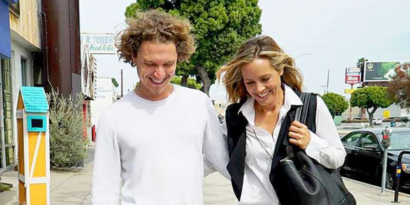 Maria Bello breaks up with girlfriend Clare Munn to be with boyfriend Elijah Allan-Blitz!!