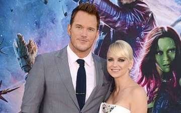 Watch: Anna Faris and Chris Pratt learn the art of wresting with former WWE wrestler Dave Bautista