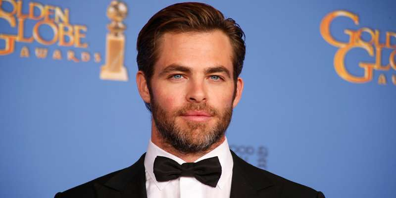 Chris Pine dated Olivia Munn and Zoe Kravitz in the past but does he have any girlfriend now?
