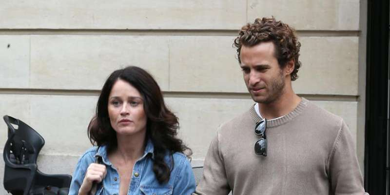 robin tunney and her fiance nicky marmet glad at the birth