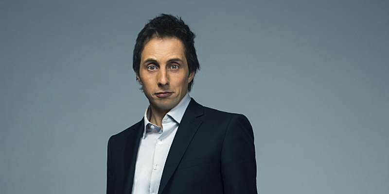 Jonny Harris rumored to be gay as he still is not married, has no girlfriend and is dating no one
