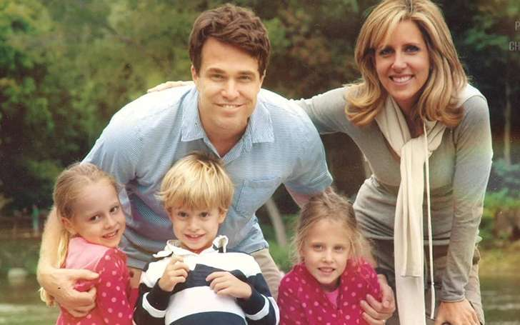 FNC's Alisyn Camerota is happily married to he husband Tim Lewis with three children.