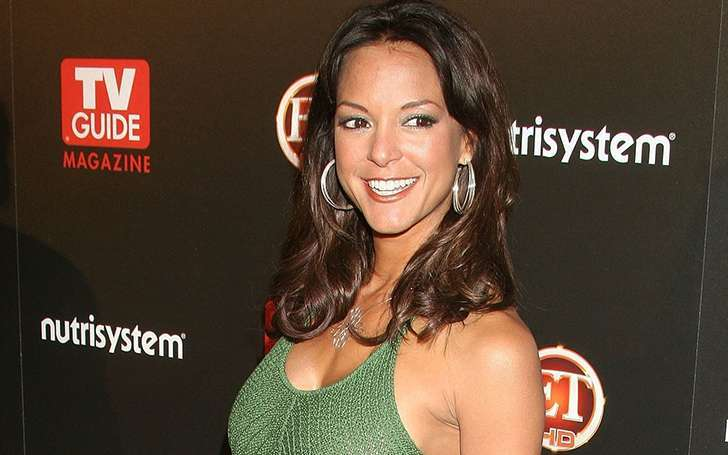 Miami star Eva La Rue is divorce thrice with her husbands. All men's names start from J
