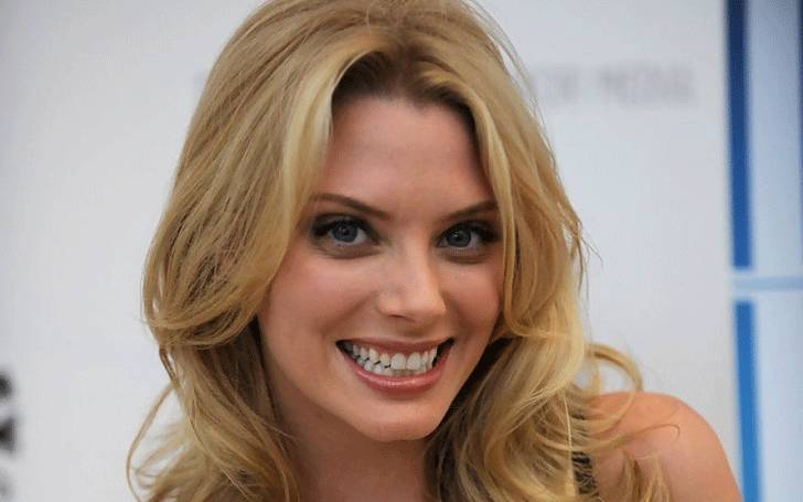 American Television actress April Bowlby' Dating Life, Boyfriends, Past Affairs, and Relationships!
