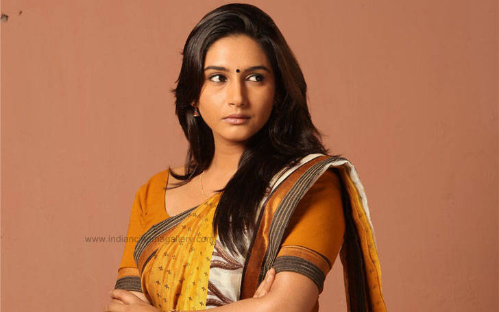 Model Ragini Dwivedi; Find out her affairs and married life