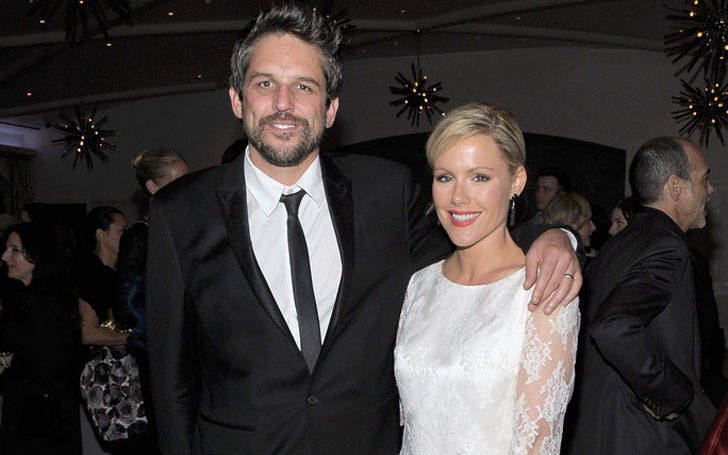 Kathleen Robertson is expecting a baby with her husband Chris Cowles or not?