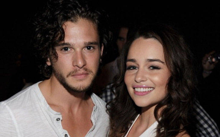 game of thrones dating rumors Is there tension among game of thrones stars kit harington, rose leslie, and emilia clarke the rumors linking harington to clarke have been relentless even as he's dating leslie in real life.