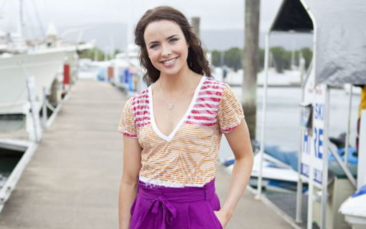 With whom Ashleigh Brewer dating right now? Find out her Affair and Relationship.