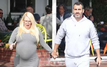 Jenna Jameson welcome her first baby, With her Boyfriend, Know  about her Affairs and Relationship