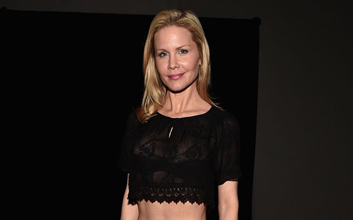45 years Josie Davis is still Single or Married? Find out her Affairs and Relationship History