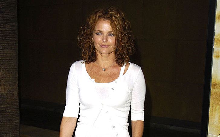 Actress Dina Meyer is Currently Single or Married, Who is she Dating Currently?
