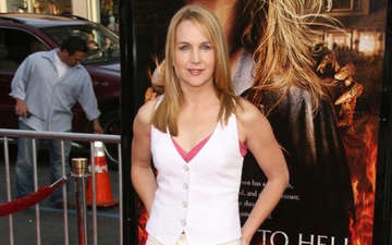Revealed, The Reason Behind Renee O'Connor Divorce With Steve Muir, Who Is She Dating Now?