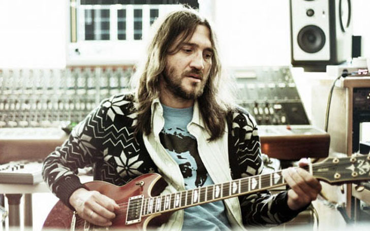 Is John Frusciante Single After his Divorce with Nicole ...