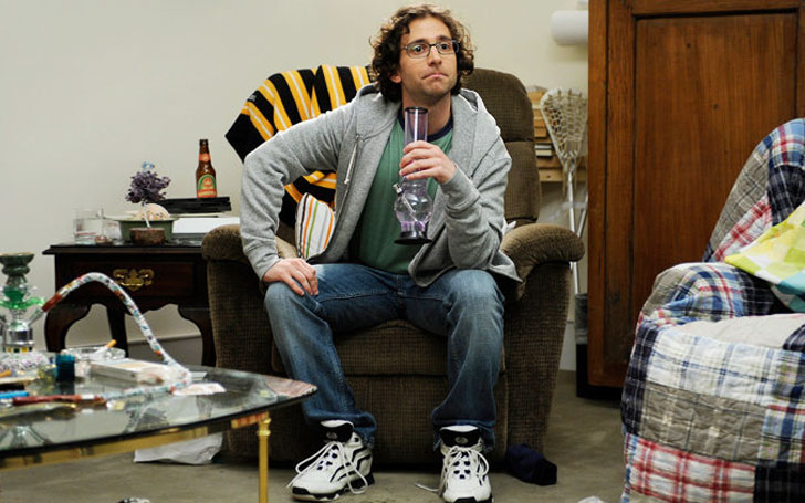 American Comedian Kyle Mooney Relationship: Is He Single or Married or Just Dating Someone?