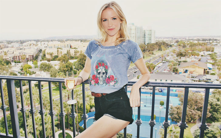 Who is Jessy Schram's Boyfriend? Is she Dating Currently? Know about her Relationship