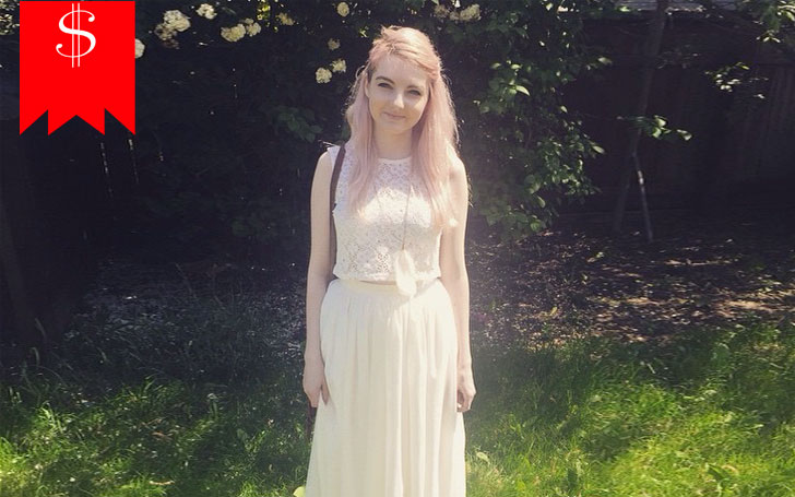 Lizzie is Known as LDShadowLady on her Youtube Channel, Know about her Net Worth and Career