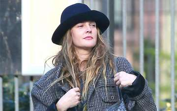 Drew Barrymore Celebrates Daughter Olive's Birthday With Awesome Birthday Cake