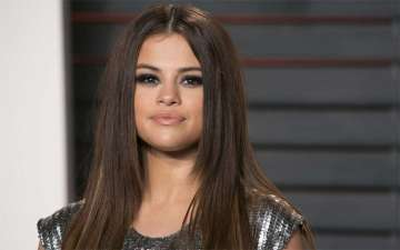 All about Model/Actress Selena Gomez's almost non-existent Dating; Past Affairs and Boyfriends