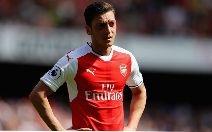 This year Inspired Mesut Ozil fires Arsenal to top of the league