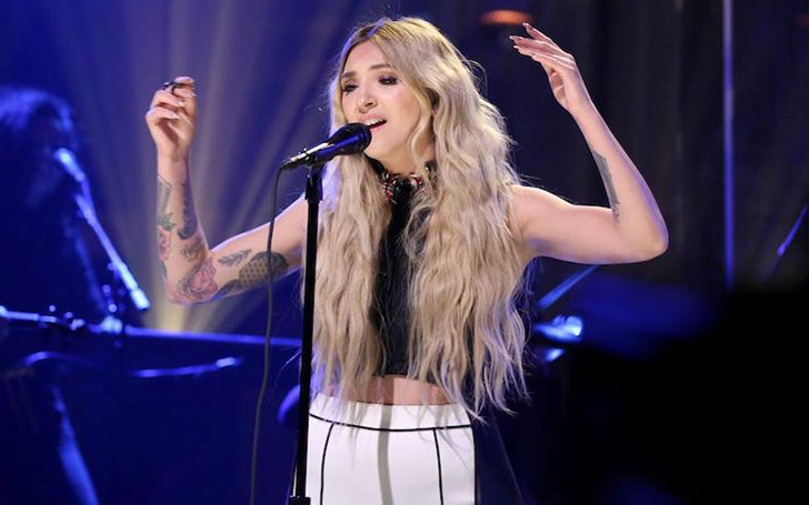 Who's American Singer-Songwriter Julia Michaels Dating? Her Affairs, Relationships and Family