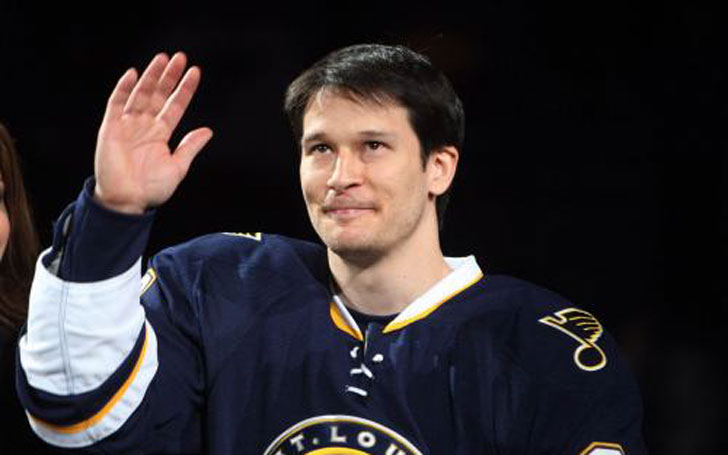 Is 43-years-Canadian Ice Hockey player Paul Kariya Dating? His Career, Affairs and Family