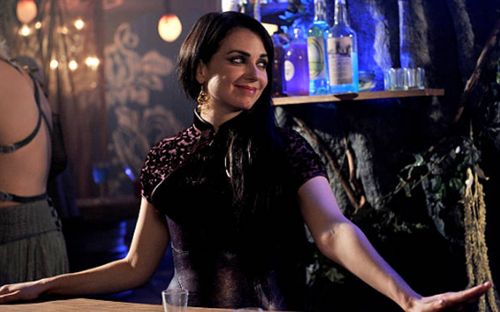 Mia Kirshner Single or Married? What About Her Past Affairs? Get The Details Here
