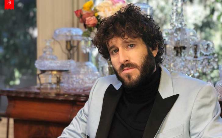 Age 30 American Professional Rapper Lil Dicky Earns Well From His