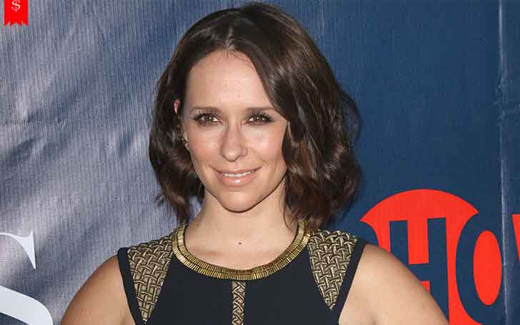 American Actress Jennifer Love Hewitt's Lifestyle And Net Worth, Her Professional Accomplishments