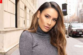 Aged 31, YouTuber Desi Perkins' Net Worth: Her Career as a Vlogger, and Make up Tutorials