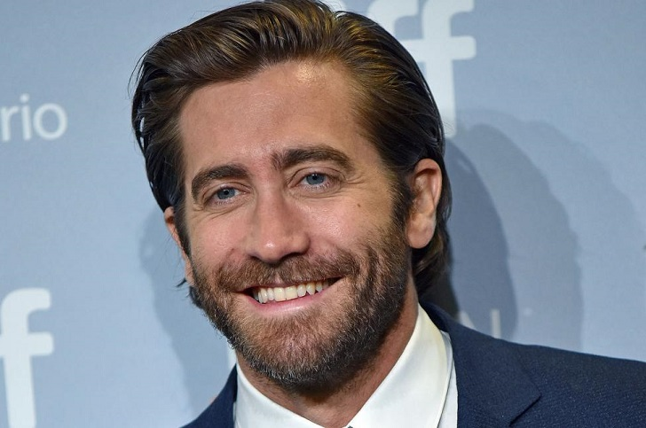 Hollywood Personality Jake Gyllenhaal's Net Worth & Annual Income: His Success As a Professional